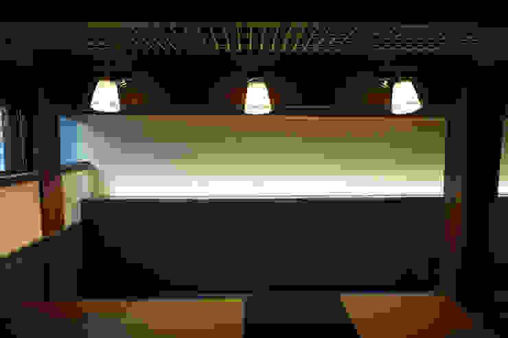 카페 인테리어 CAFE INTERIOR_부산인테리어 아시아스타일 다이닝 룸 by 감자디자인 한옥