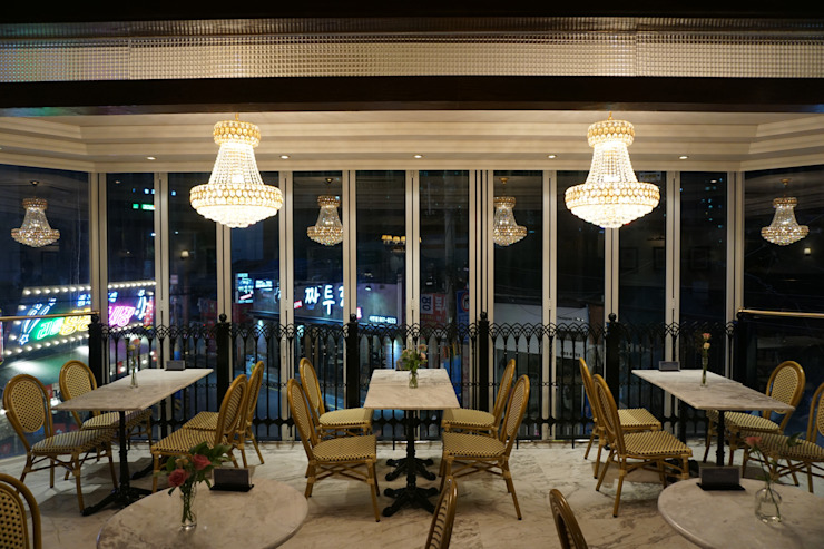디저트 카페 인테리어 DESSERT CAFE INTERIOR_부산인테리어 클래식스타일 다이닝 룸 by 감자디자인 클래식