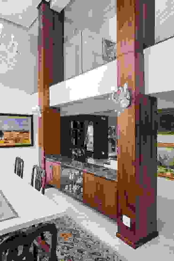 Modern Luxury Home.: modern  by Smartdesigns & Turnkey Projects PTY Ltd., Modern Wood Wood effect