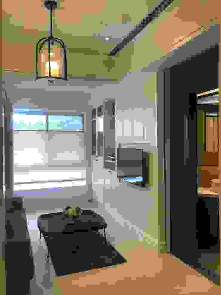 蘭馨滿雅室 曦色入晴窗... 根據 寬林室內裝修設計有限公司 隨意取材風