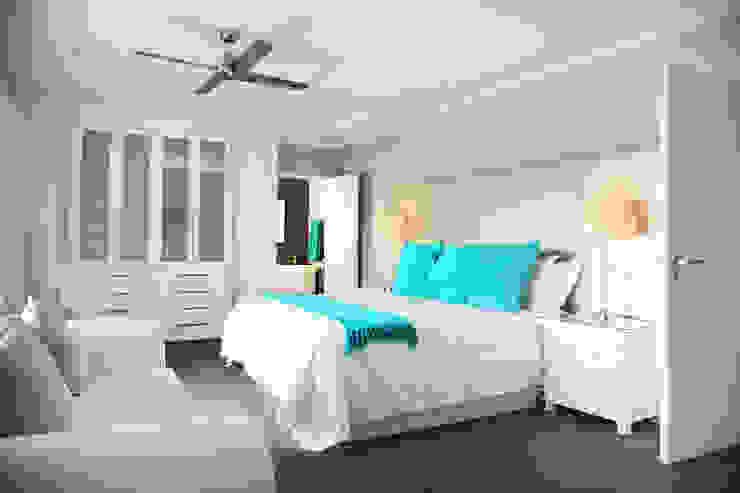Vaal River Minimalist bedroom by Plan Créatif Minimalist