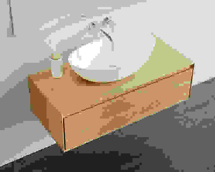 Einzigartige Badezimmer Kommode BM-01-L in Eiche natur: modern  von Badeloft GmbH - Hersteller von Badewannen und Waschbecken in Berlin,Modern Holz Holznachbildung