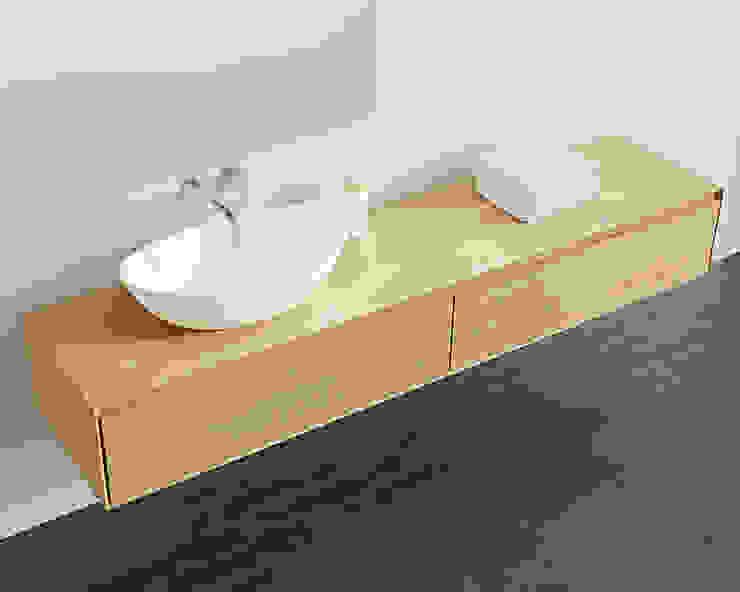 Stilvolle Badezimmer Kommode BM-01-XL in Eiche natur: modern  von Badeloft GmbH - Hersteller von Badewannen und Waschbecken in Berlin,Modern Holz Holznachbildung