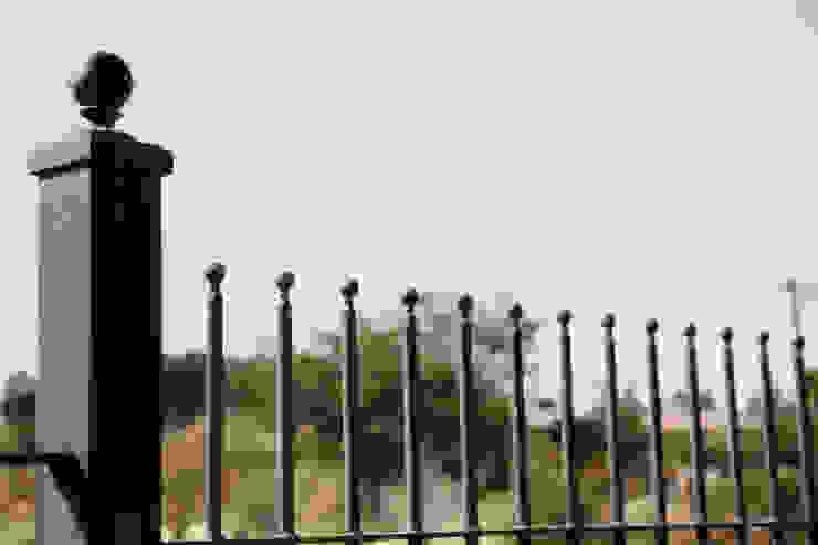 Saddlebrook Estate: classic  by Plan Créatif, Classic