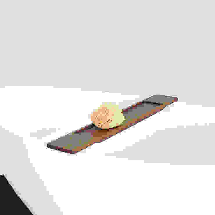 Badeloft GmbH - Hersteller von Badewannen und Waschbecken in Berlin BathroomShelves Wood