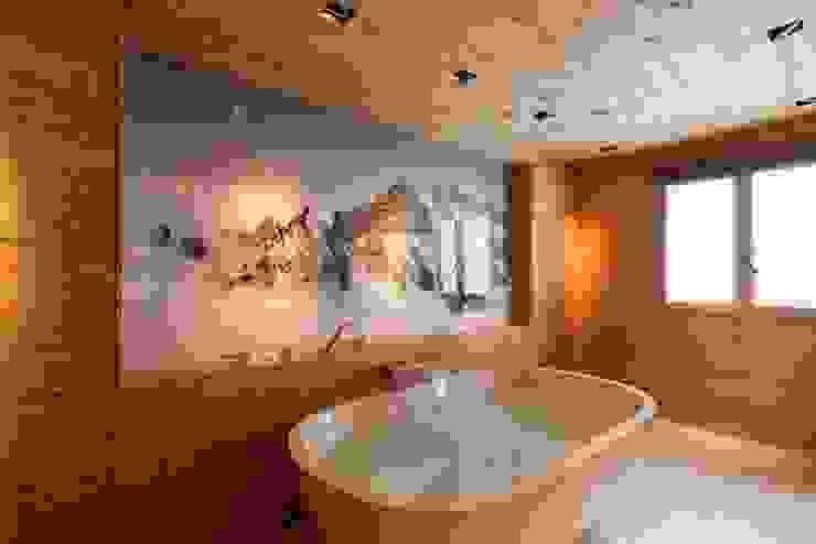 Badzimmer in Altholz Rustikale Badezimmer von RH-Design Innenausbau, Möbel und Küchenbau Aarau Rustikal Holz Holznachbildung
