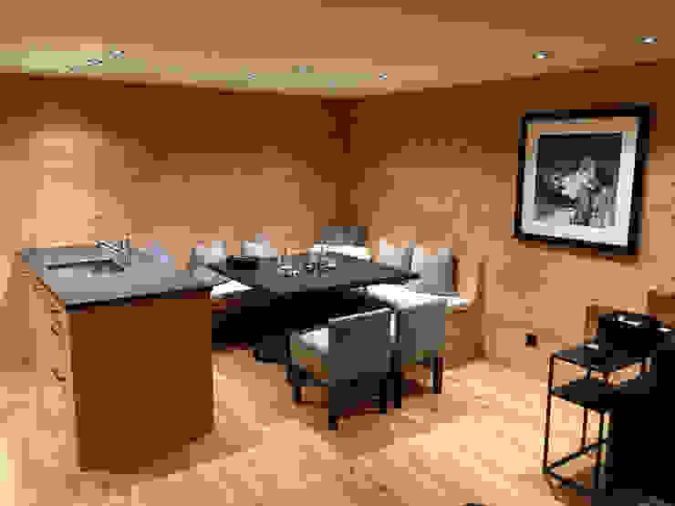 Essbereich mit Eckbank:  Esszimmer von RH-Design Innenausbau, Möbel und Küchenbau Aarau,