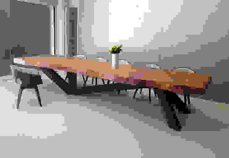 Esstisch: modern  von RH-Design Innenausbau, Möbel und Küchenbau Aarau,Modern Massivholz Mehrfarbig