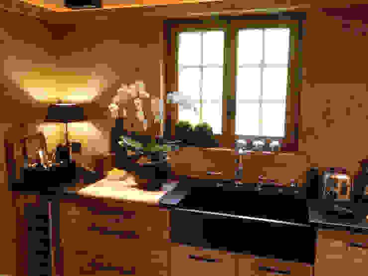 Küche mit speziellem Küchentrog:  Einbauküche von RH-Design Innenausbau, Möbel und Küchenbau Aarau,