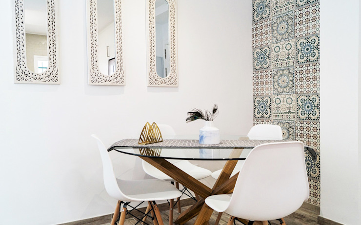 Modern dining room by Housing & Colours Modern Tiles