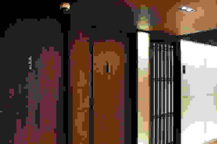 레스토랑 인테리어 RESTAURANT INTERIOR_부산인테리어 아시아스타일 욕실 by 감자디자인 한옥