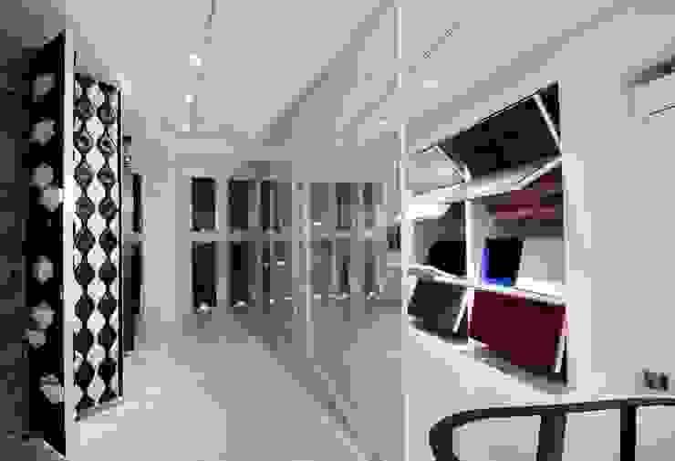 Interior - Gallery Kantor & Toko Modern Oleh PHL Architects Modern