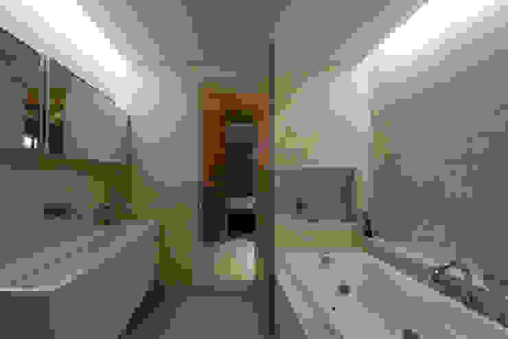Minimalist bathroom by M's plan 엠스플랜 Minimalist