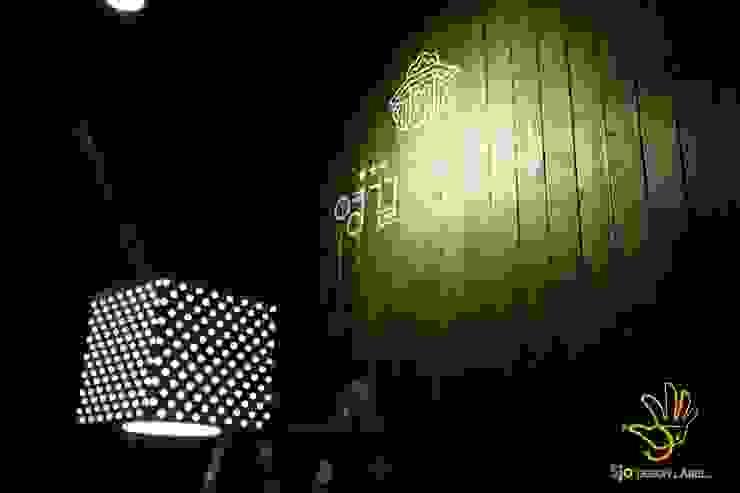양꼬치전문점 영걸양꼬치 에클레틱 발코니, 베란다 & 테라스 by 오조인테리어 에클레틱 (Eclectic)