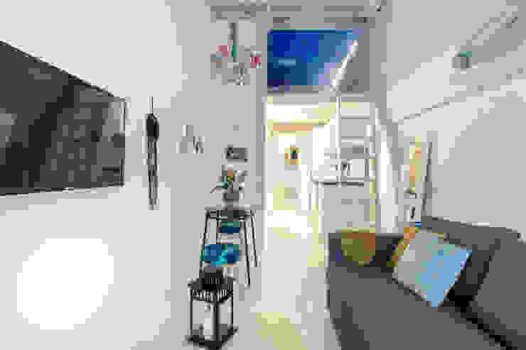 Apartamento en Gran Vía. Madrid Salones de estilo ecléctico de Estudio Mercedes Arce Ecléctico Azulejos
