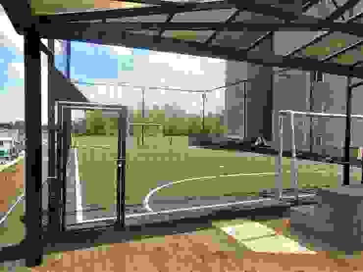 AlejandroBroker Balcone, Veranda & Terrazza in stile moderno