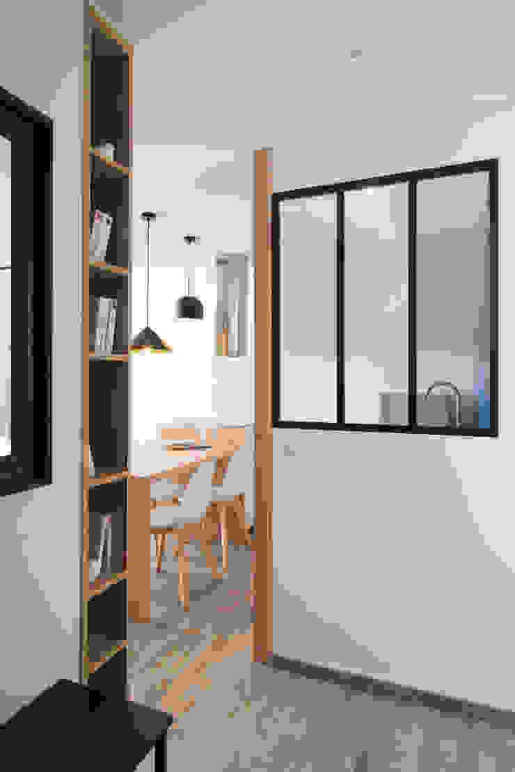 Camille BASSE, Architecte d'intérieur Moderner Flur, Diele & Treppenhaus