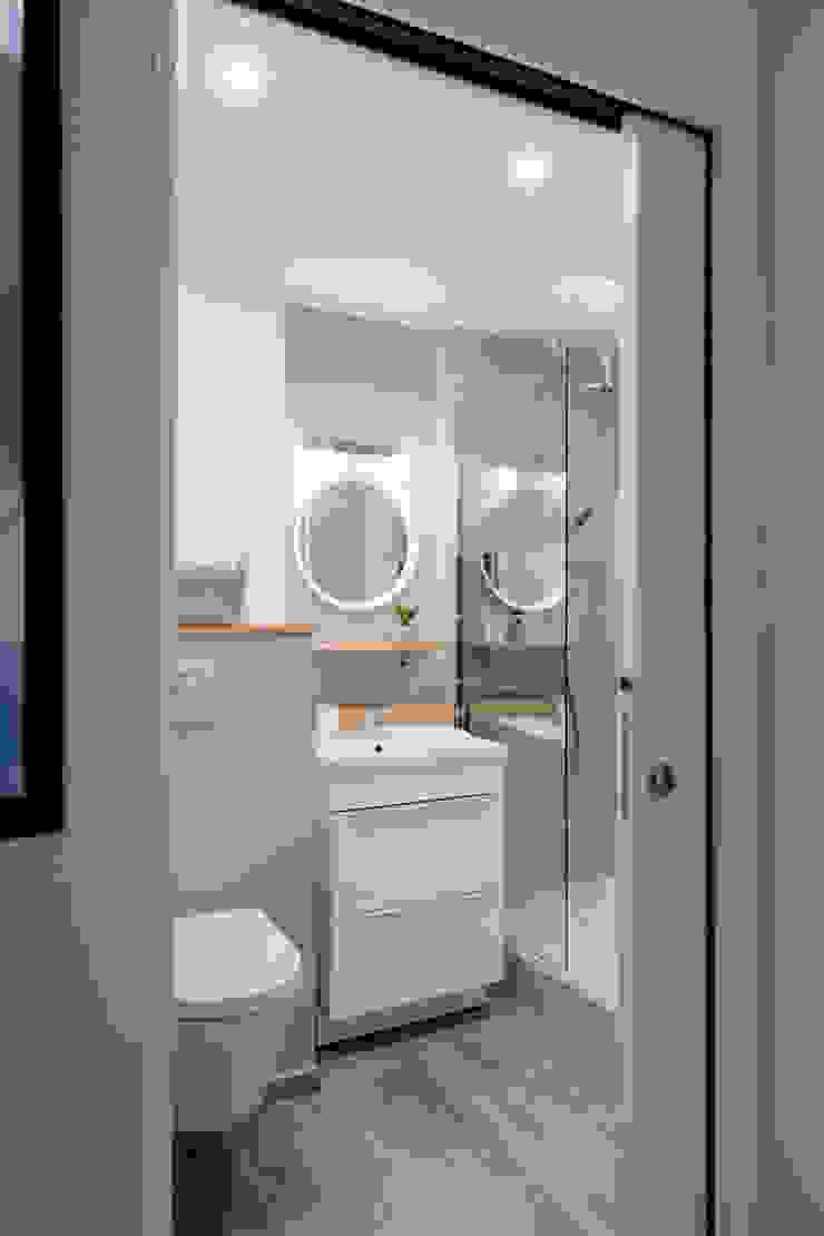Chez Sophie et Philippe Camille BASSE, Architecte d'intérieur Salle de bain moderne