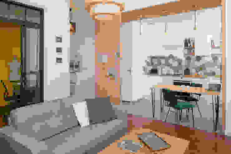 Chez Sophie et Morgan Salon moderne par Camille BASSE, Architecte d'intérieur Moderne