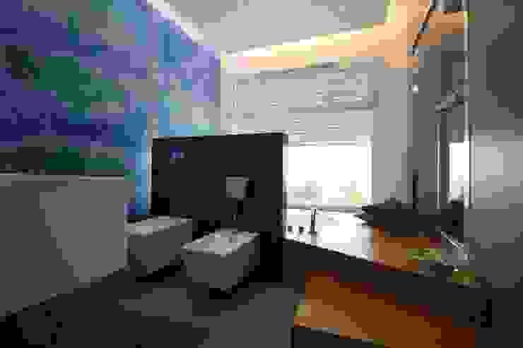 Moderne Badezimmer von Giuseppe Rappa & Angelo M. Castiglione Modern Holz Holznachbildung