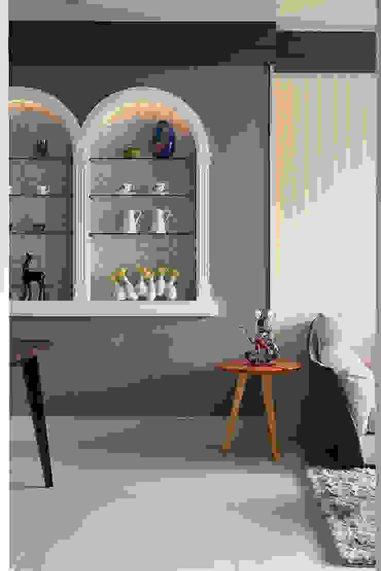 生活與設計平行 寬林室內裝修設計有限公司 玄關、走廊與階梯櫥櫃與書櫃 MDF Blue