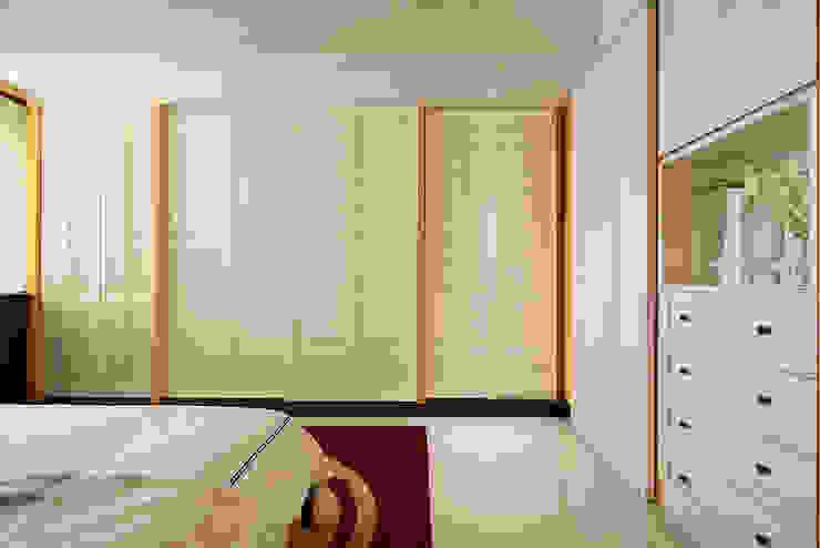 生活與設計平行 寬林室內裝修設計有限公司 臥室衣櫥與衣櫃 MDF Transparent