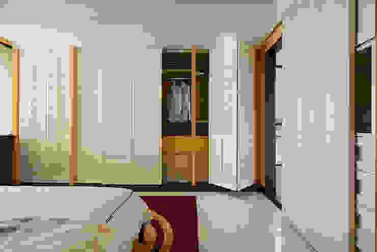 生活與設計平行 寬林室內裝修設計有限公司 臥室衣櫥與衣櫃 Yellow
