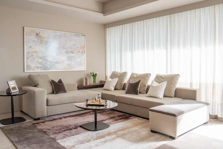 Neutral Living Room by Design Intervention Minimalist living room by Design Intervention Minimalist