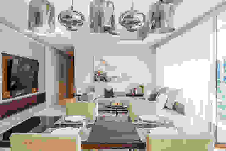 Neutral Living Room design by Design Intervention Minimalist living room by Design Intervention Minimalist