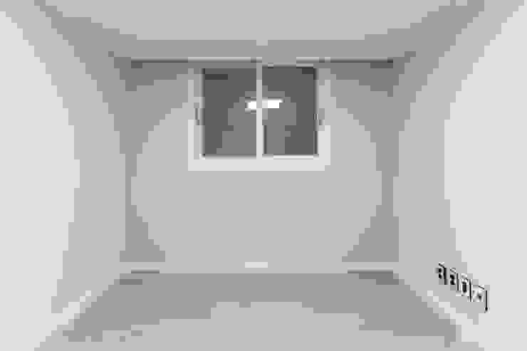 신정동 쌍용 아파트 31py 모던스타일 미디어 룸 by 곤디자인 (GON Design) 모던