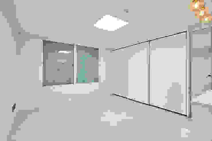 침실인테리어 모던스타일 미디어 룸 by 곤디자인 (GON Design) 모던