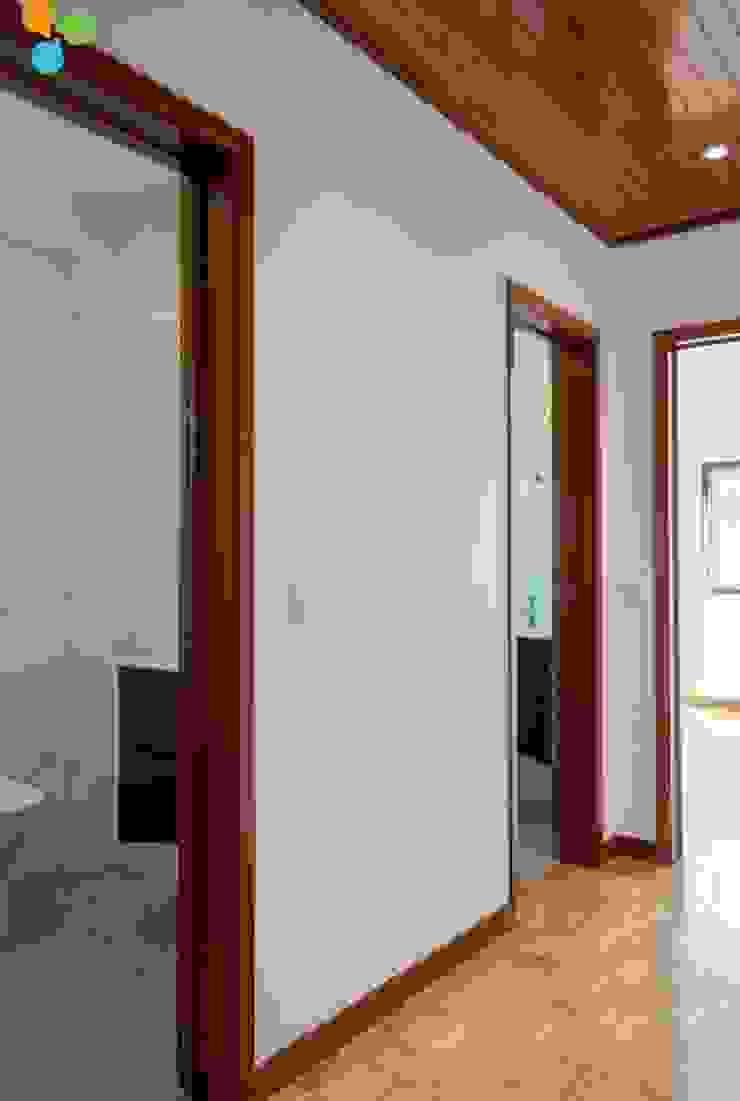 modern  by Grupo Prummo , Modern