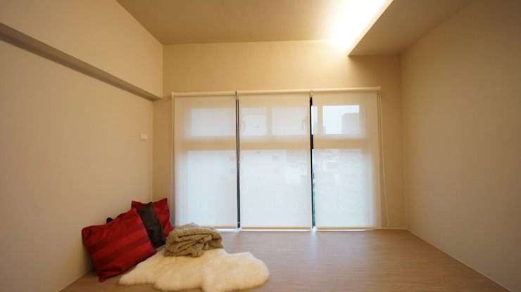 複合式臥室 根據 璞玥室內裝修有限公司 現代風 複合木地板 Transparent