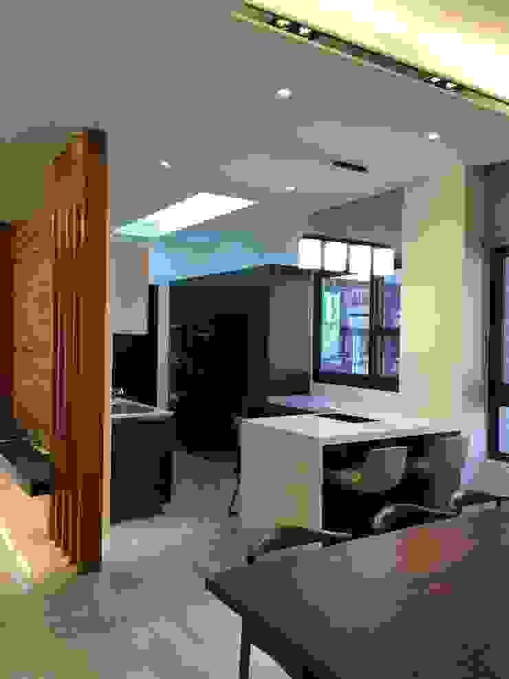 餐廳與廚房 根據 台中室內設計裝修|心之所向設計美學工作室 現代風