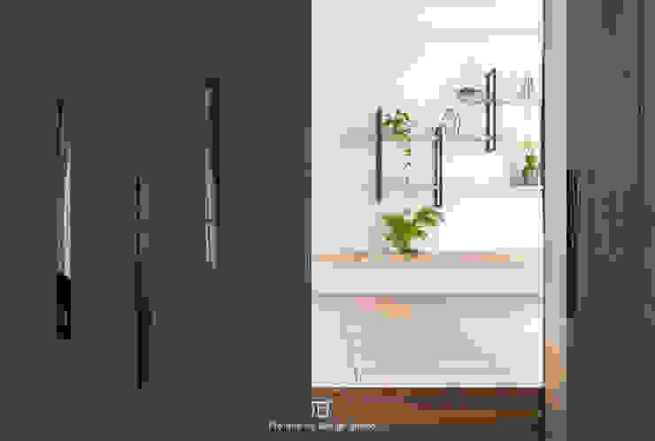 多功能空間 by 璞玥室內裝修有限公司 Modern Engineered Wood Transparent