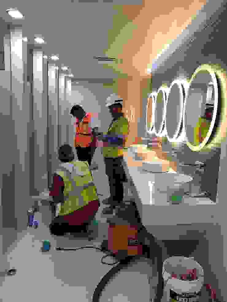 Baño de mujeres 80% de avance CG Diseño BañosDecoración