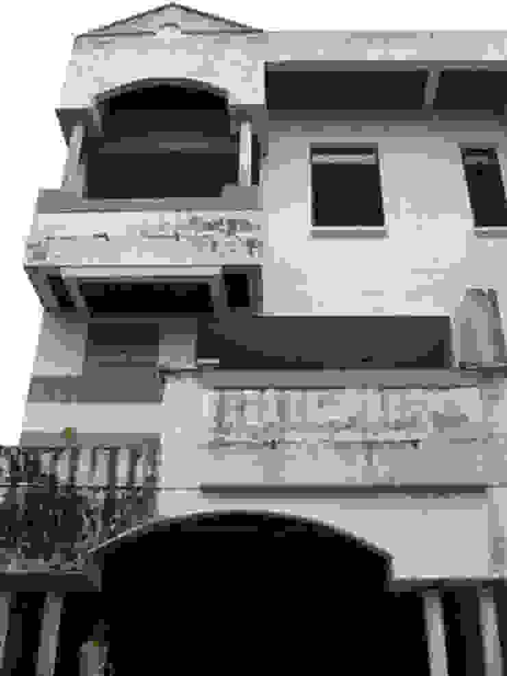 Renovation : modern  by UpMedio Design , Modern