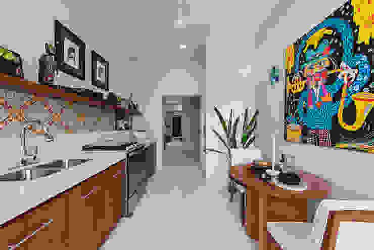 Casa Picasso por Workshop Diseño y Construcción en Mérida: Cocinas pequeñas de estilo  por Workshop, diseño y construcción