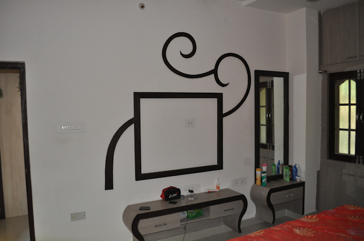 bowenpally: classic  by Design Cell Int,Classic Plywood