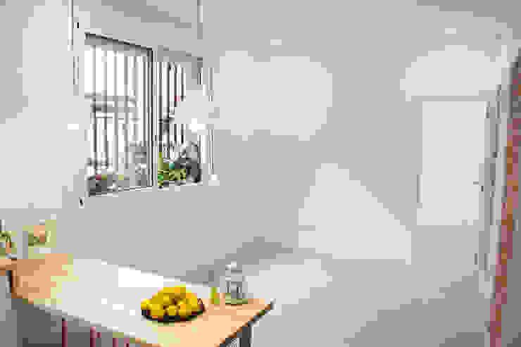 Modern Windows and Doors by Escarra arquitectos y asociados SAS Modern