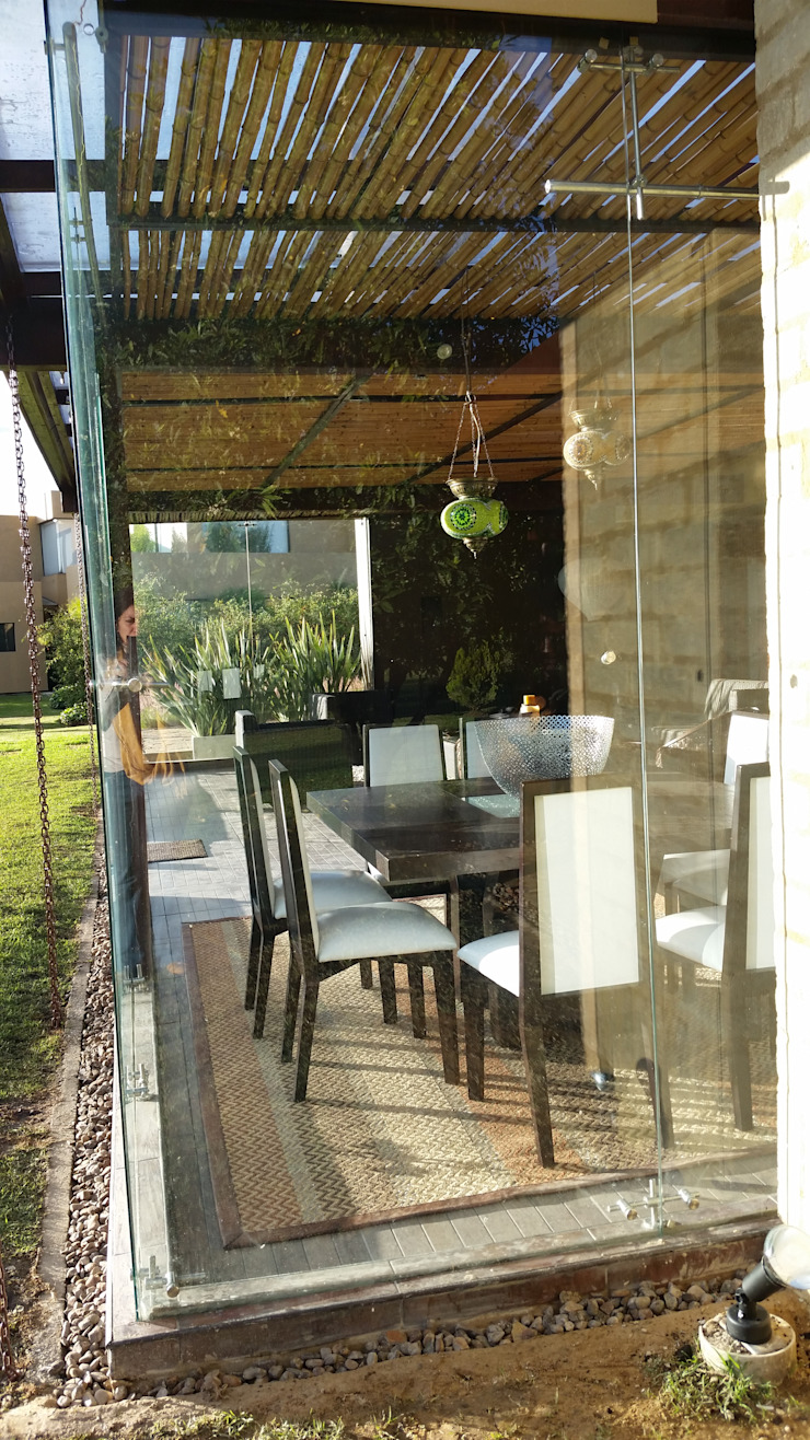 PRADERA DE POTOSI Puertas y ventanas de estilo moderno de Escarra arquitectos y asociados SAS Moderno
