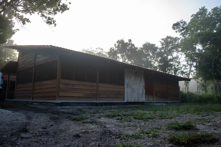 Country style study/office by Rizzardini Arquitectura Country