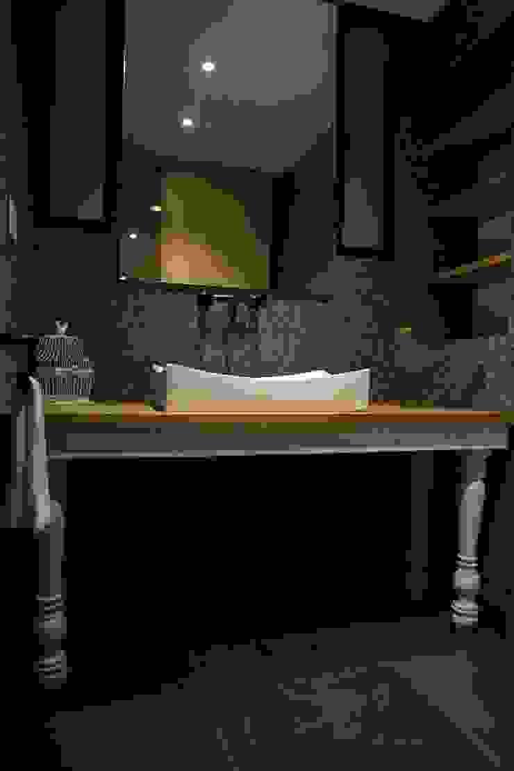 Phòng tắm phong cách Địa Trung Hải bởi Intrazzo Mobiliairo Địa Trung Hải Than củi Multicolored