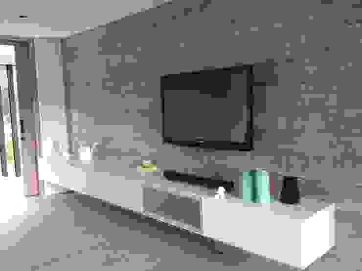 Casa de Campo Llano Grande Habitaciones de estilo minimalista de Intrazzo Mobiliairo Minimalista Aglomerado