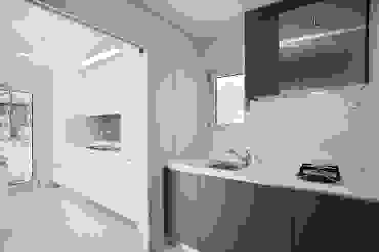 Modern Kitchen by 반디건축디자인 Modern