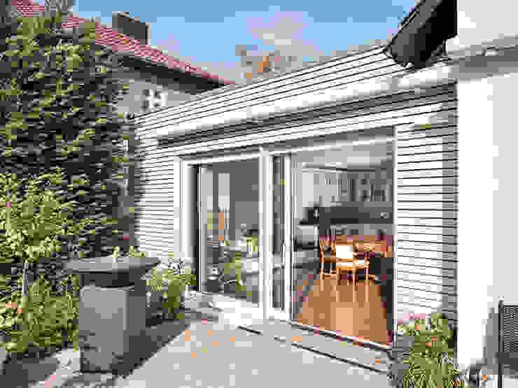 ANBAU IN BERLIN PANKOW von Müllers Büro Landhaus Holz Holznachbildung