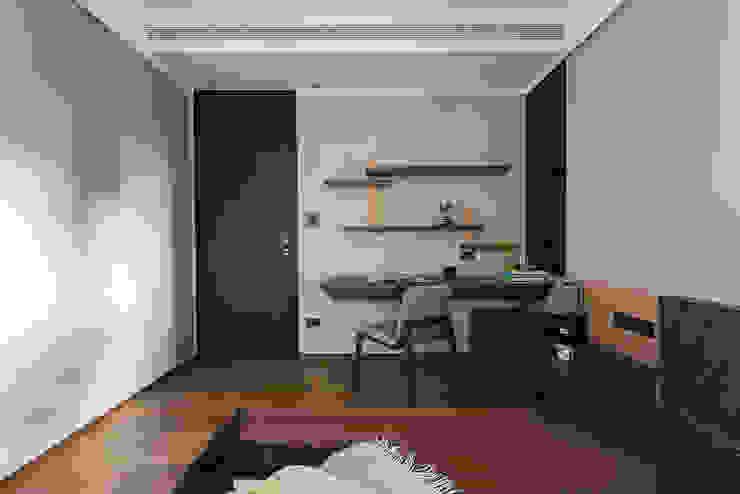 宸域空間設計有限公司 Pareti & PavimentiDecorazioni per pareti