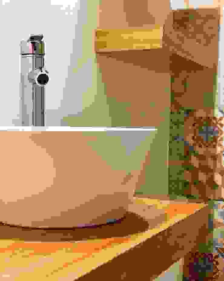 Rustic style bathroom by Estudio Qpi Rustic Ceramic