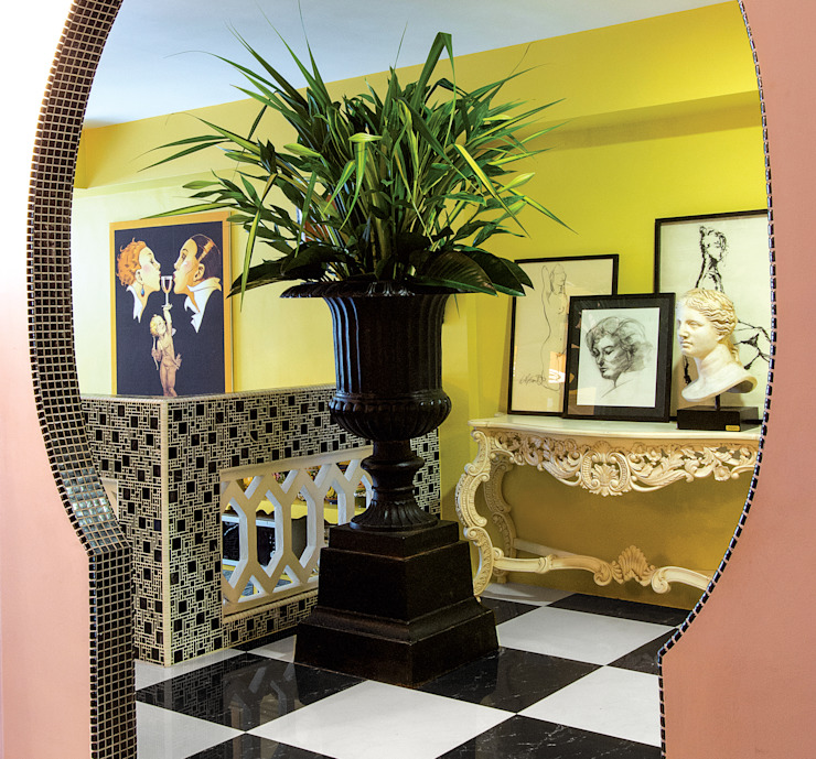 Entrance Design by Design Intervention Design Intervention Eclectic style corridor, hallway & stairs Multicolored
