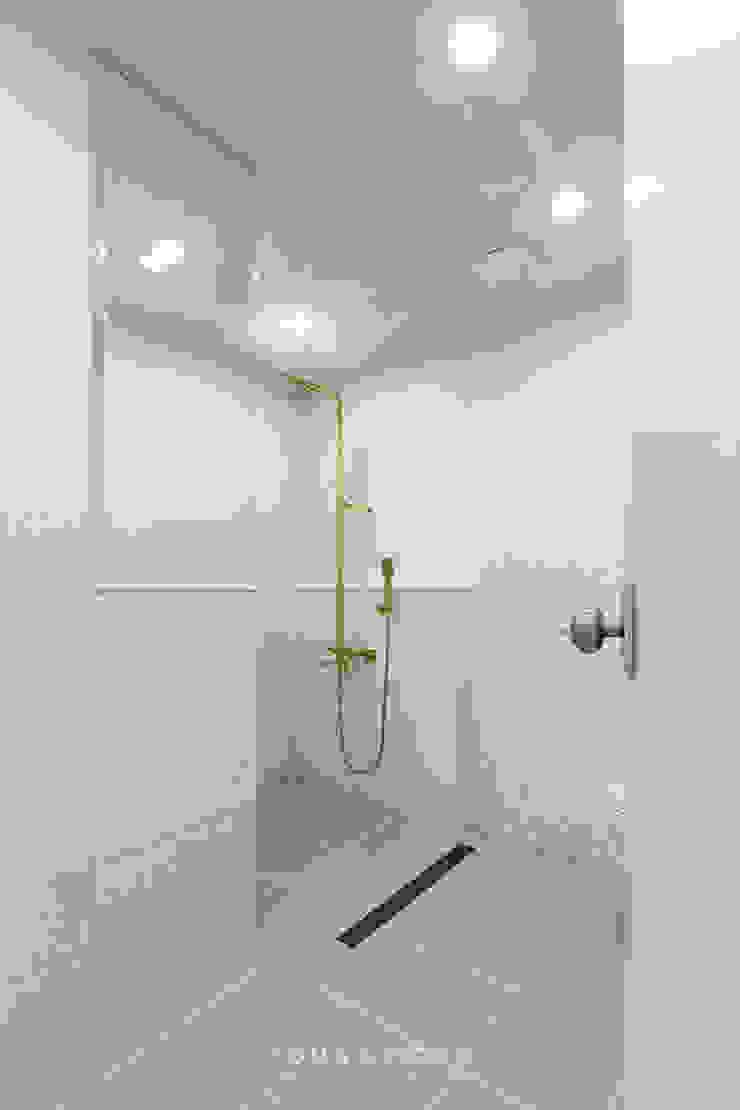 63평 더샵스타리버 아파트 인테리어 _ 모던 내츄럴 스타일의 힐링하우스 모던스타일 욕실 by 영훈디자인 모던